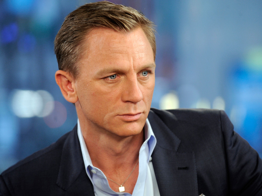 align thougts-famous-celebrities-who-were-born-poor-daniel-craig-short-hairstyles-14