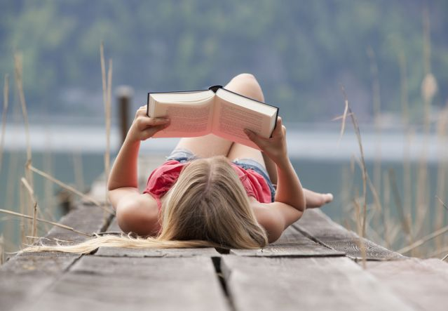 alignthoughts-girl-reading