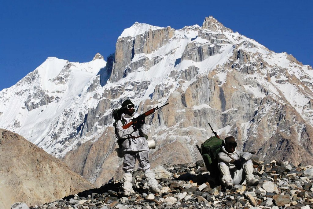 Aligntoughts-Siachen-an-orange-or-an-apple-can-freeze-to-the-hardness-of-a-cricket-ball-in-no-time