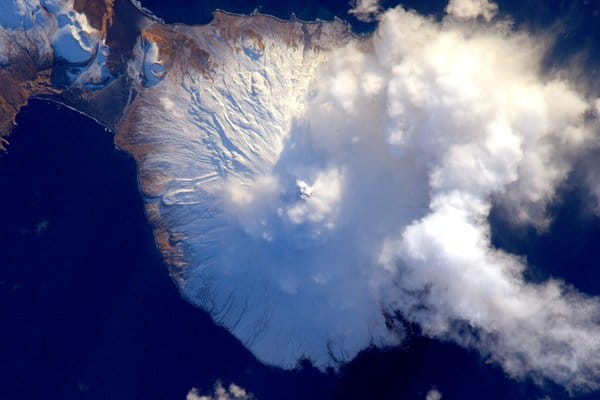 align thoughts-outer-space-scottkelly-Aleutian island-volcano