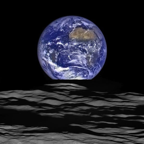 align thoughts-outer-space-scottkelly-Earthrise-NASA