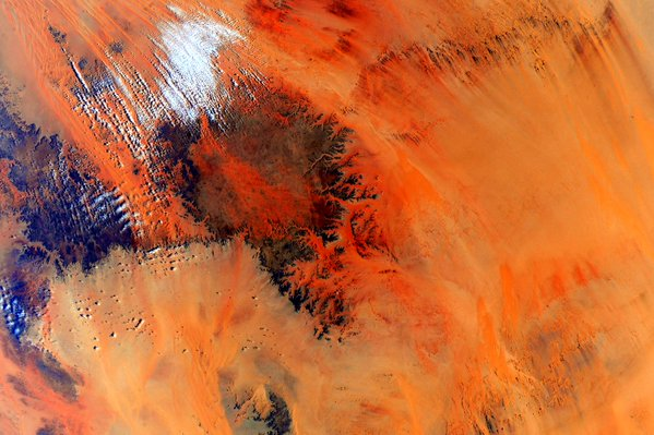 align thoughts-outer-space-scottkelly-africa-desert1