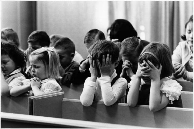 alignthoughts-praying-children
