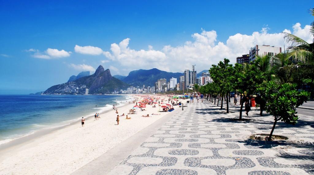 alignthoughts-visit-brazil-Ipanema-beach-in-Rio-de-Janeiro-Brazil