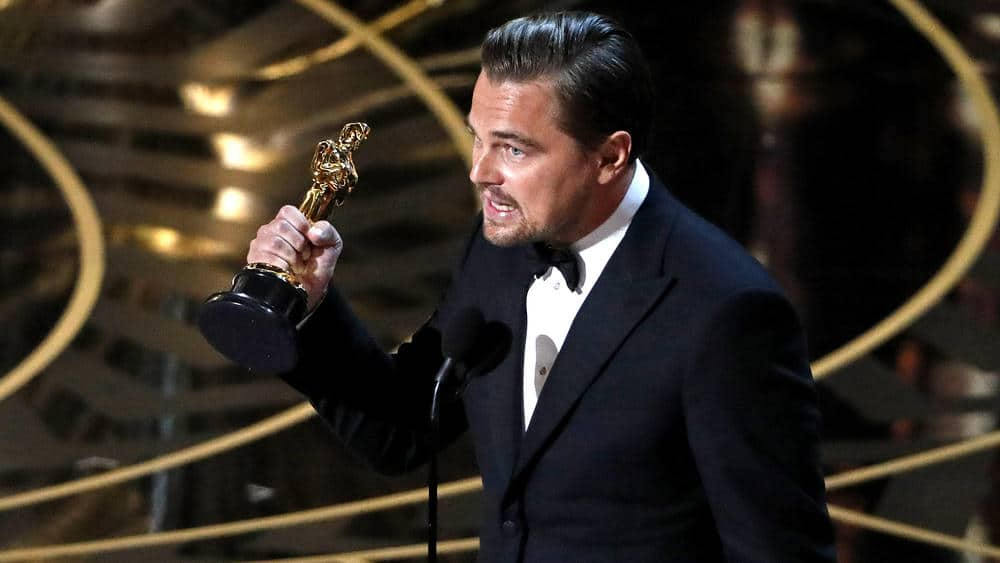 alignthoughts-oscars-2016-show-highlights-pictures-best-actor-leonardo-de-caprio-picture
