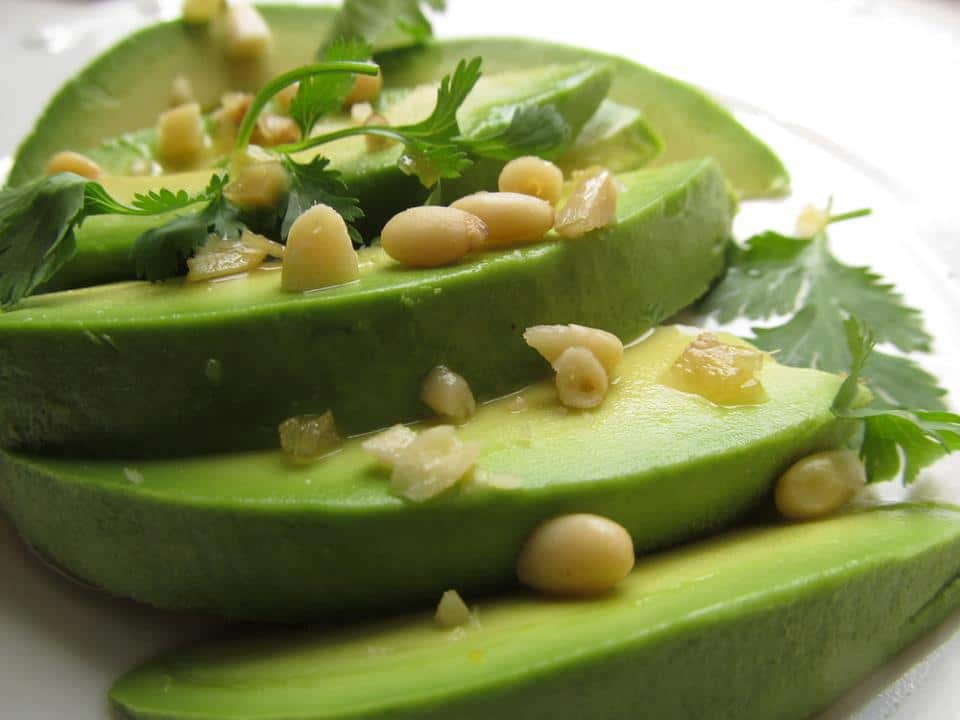 alignthughts-good-reasons-why-you-must-start-eating-avocado-fruit