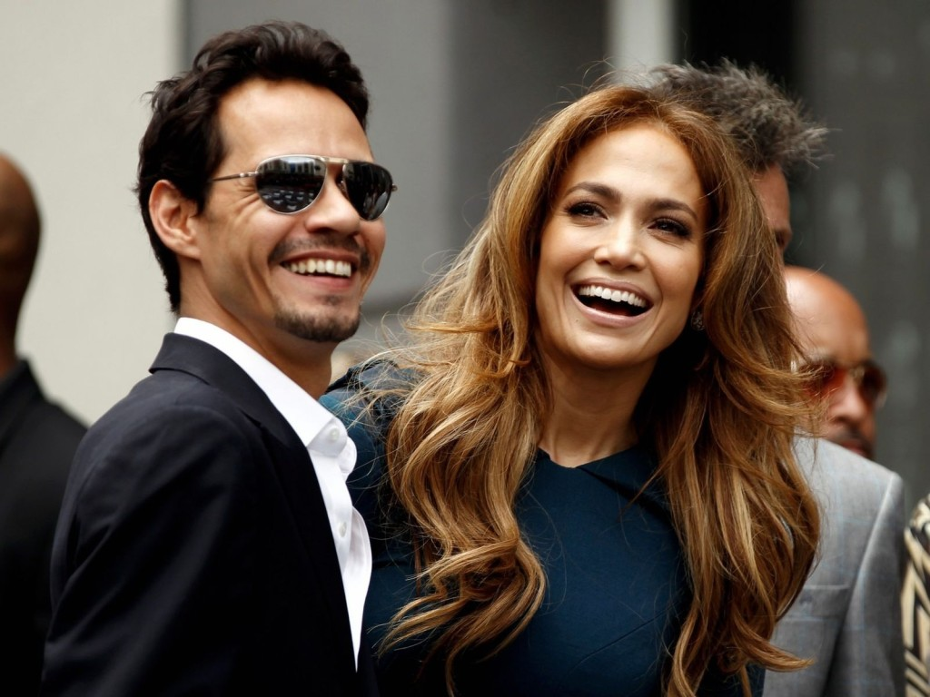 alignthoughts-jennifer-lopez-takes-the-stage-with-ex-hubby-marc-anthony