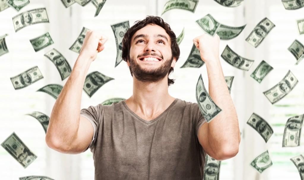 Man_Saving_Money.Align-Thoughts-1080x641