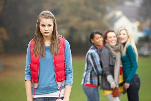 alignthoughts-how to help your teen child from peer pressure