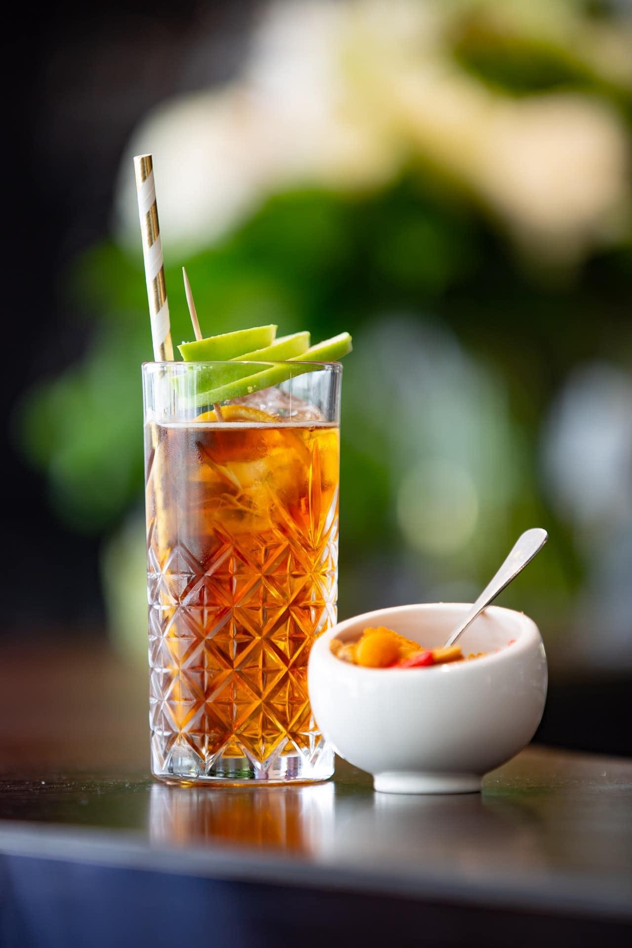 easy alcoholic drinks to make at home-long island ice tea