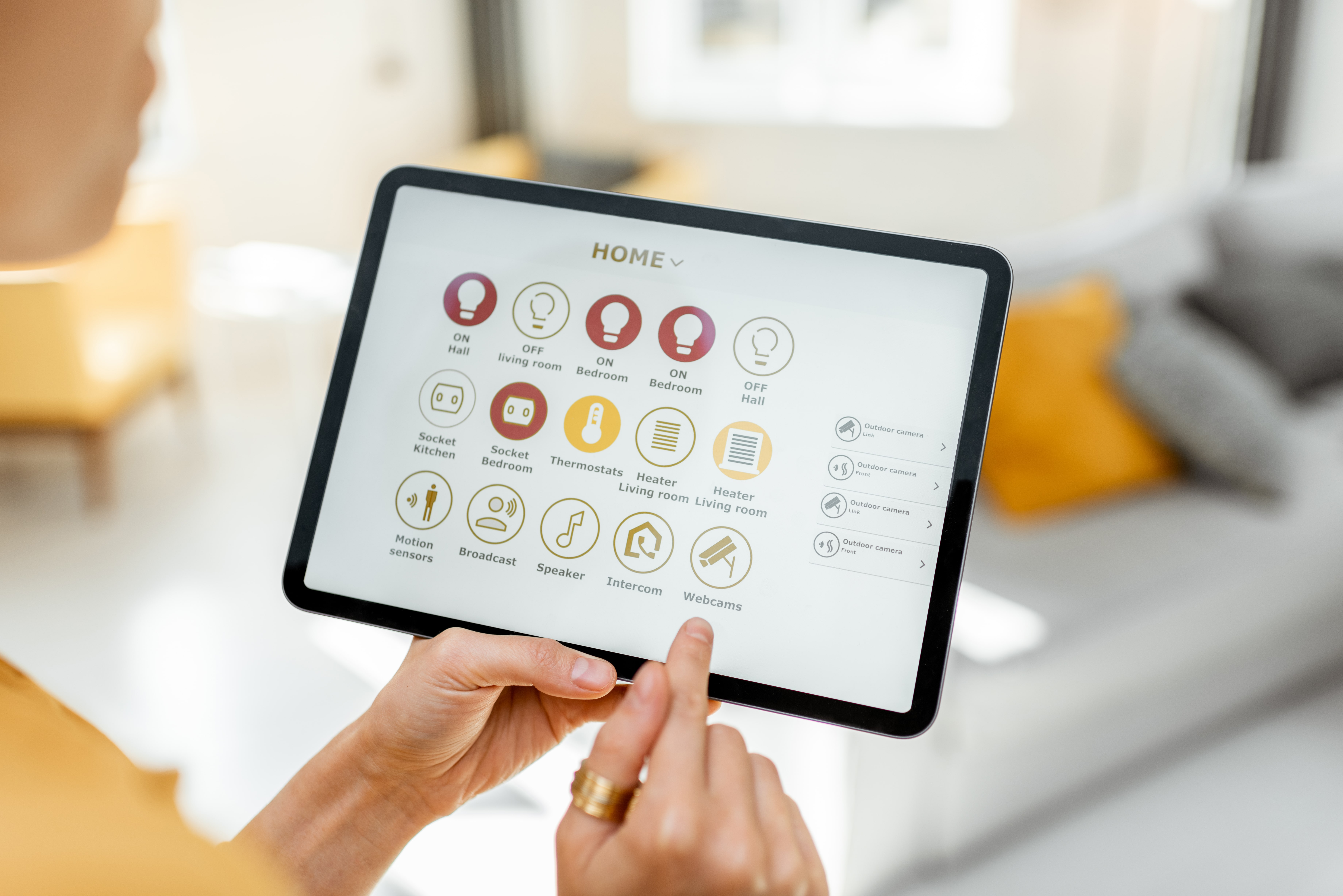controlling-smart-home-devices-using-a-digital-tab-alignthoughts