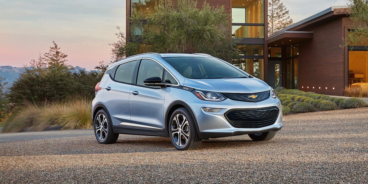 2018-bolt-ev-design-01-hybrid electric cars-alignthoughts