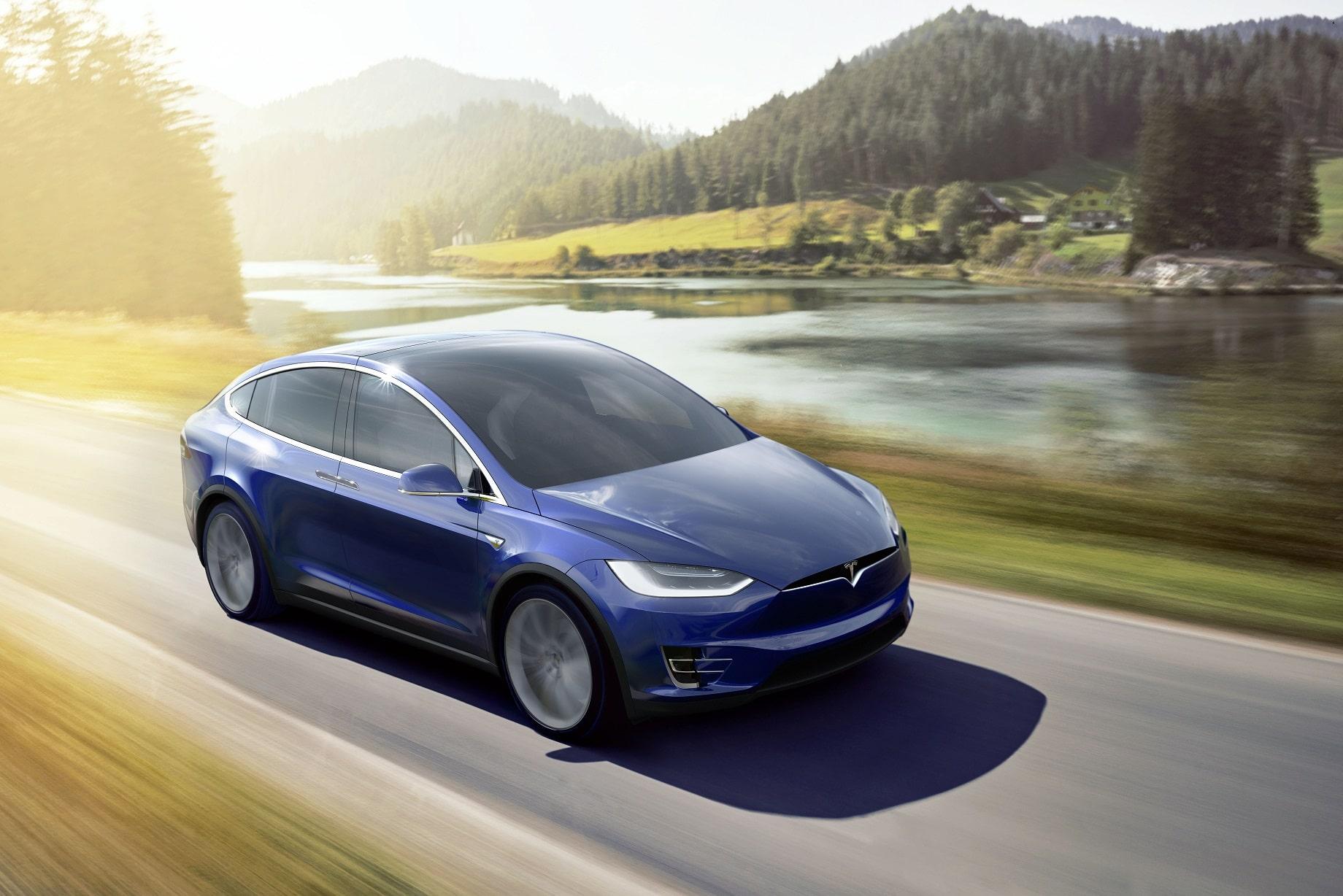 tesla-model-X-2018-smart cars models-alignthoughts