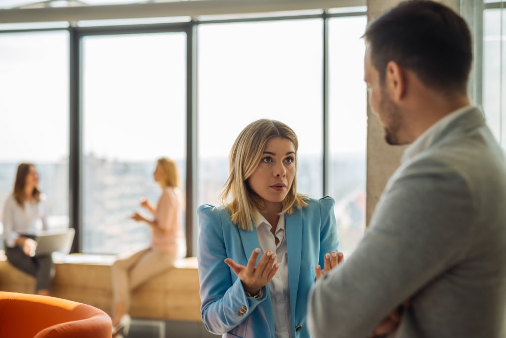 Benefits-Of-Talking-Confidently-at-work-alignthoughts