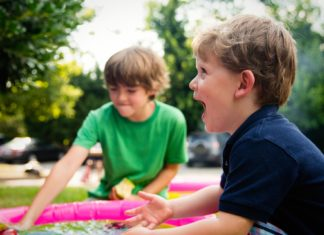 Fun Ways To Motivate Kids To Play Outdoors-AlignThoughts