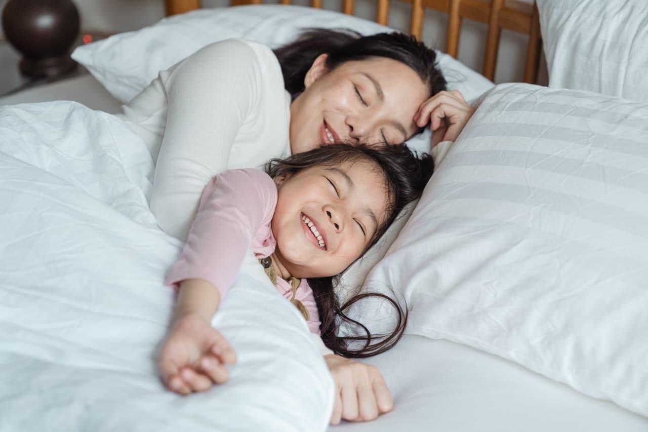 yoga improves sleep-alignthoughts